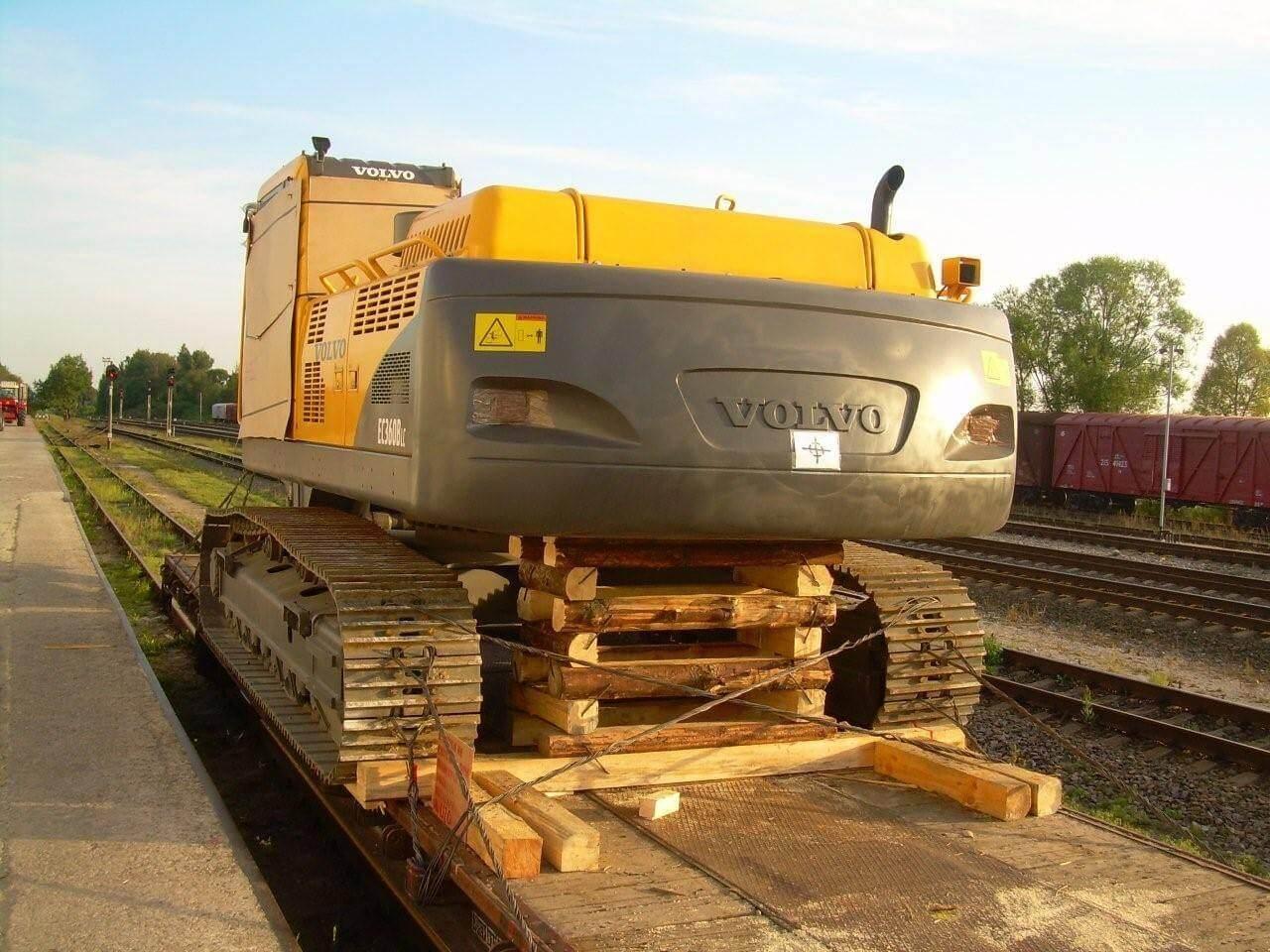 Деревянный железнодорожный реквизит